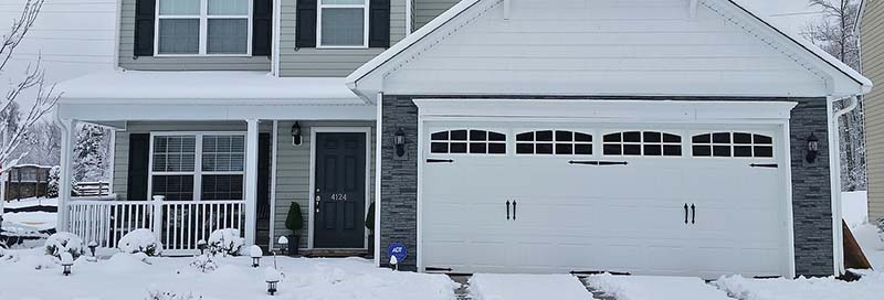 winter-garage-door-brick