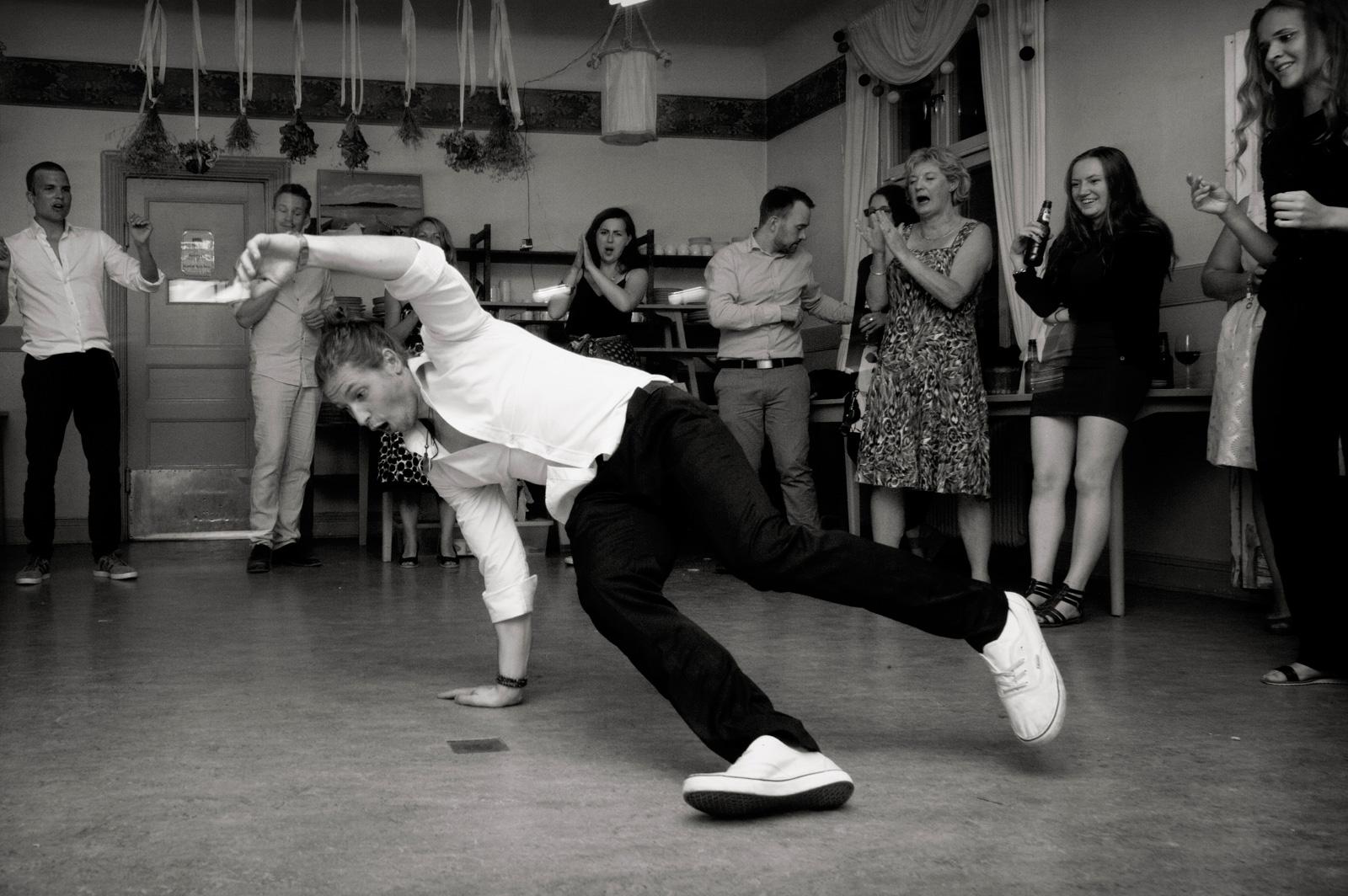 white boy dancing