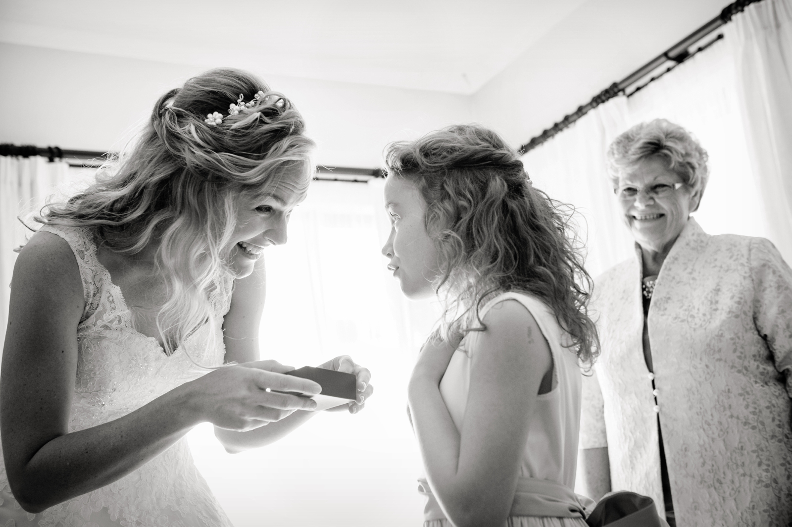 bride with gift for daughter
