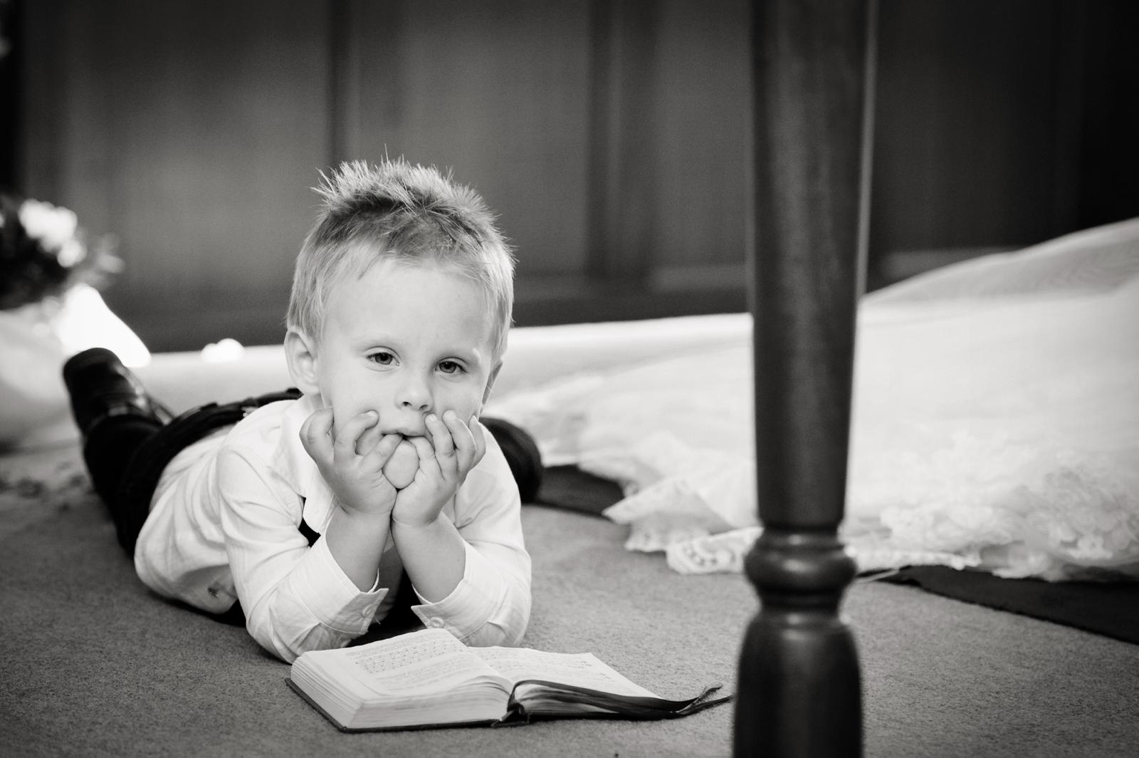 bored child in church