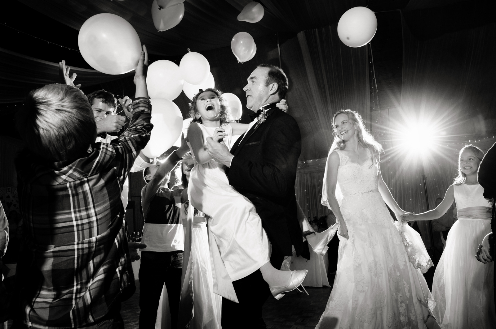 balloon dancing