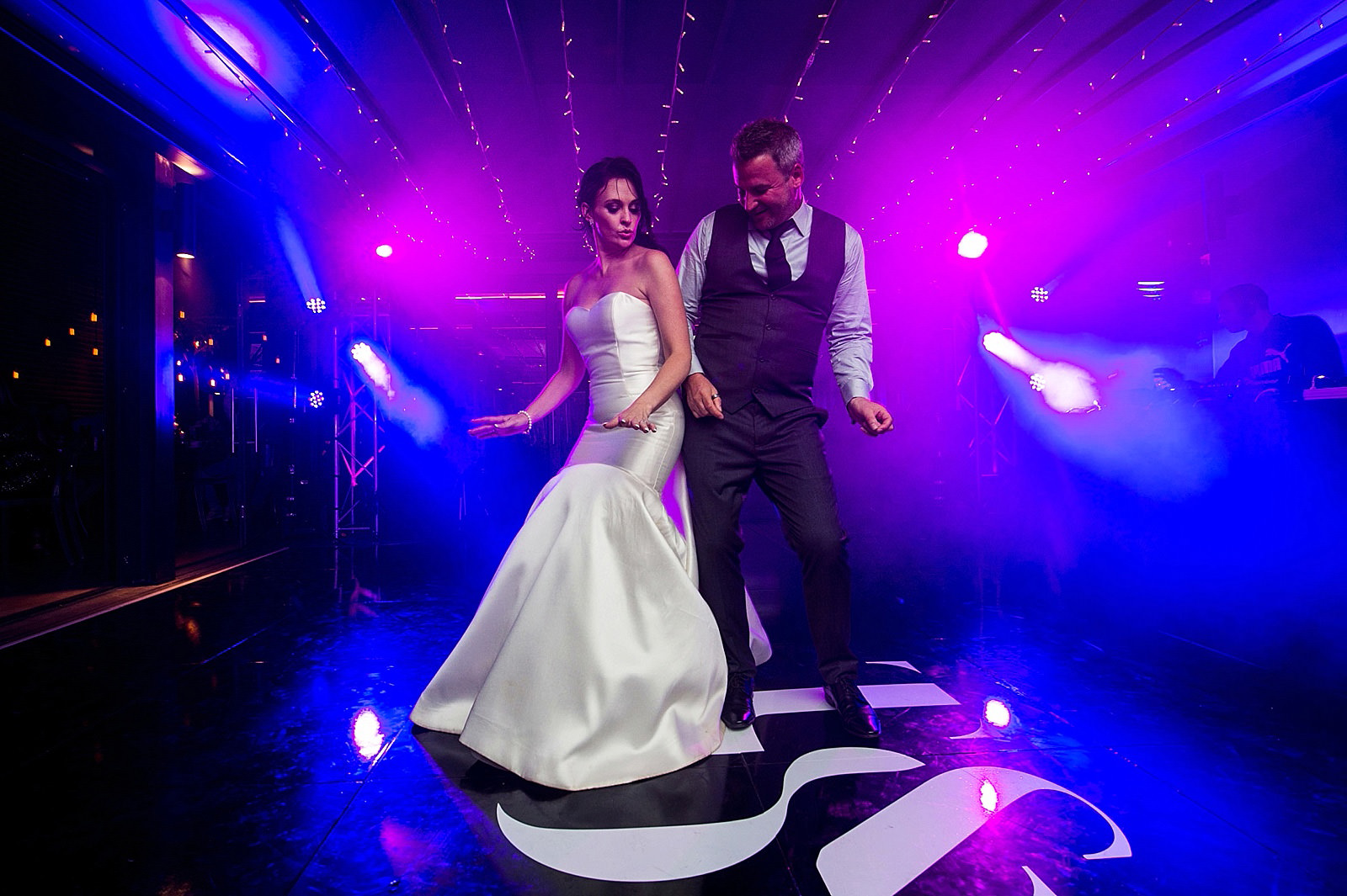 Documentary wedding photography at Bosjes wedding venue, shot by top South African wedding photographer Jacki Bruniquel