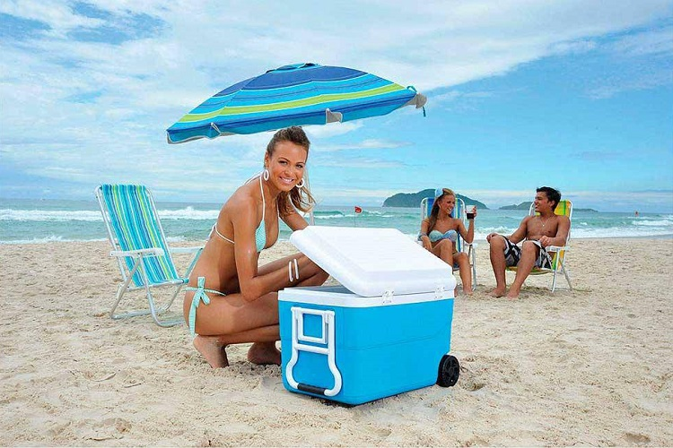 Cooler na praia