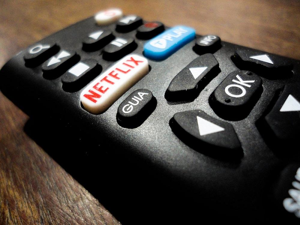 Controle remoto com botão Netflix