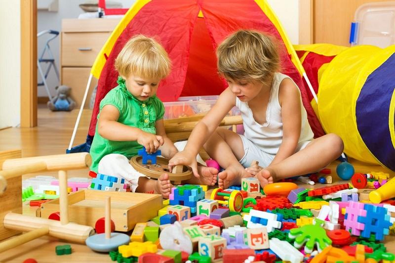 dicas-importantes-antes-de-comprar-os-brinquedos-para-o-dia-das-crianças