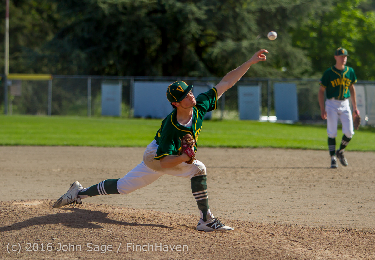 17566_Baseball_v_Casc-Chr_Seniors_Night_042916