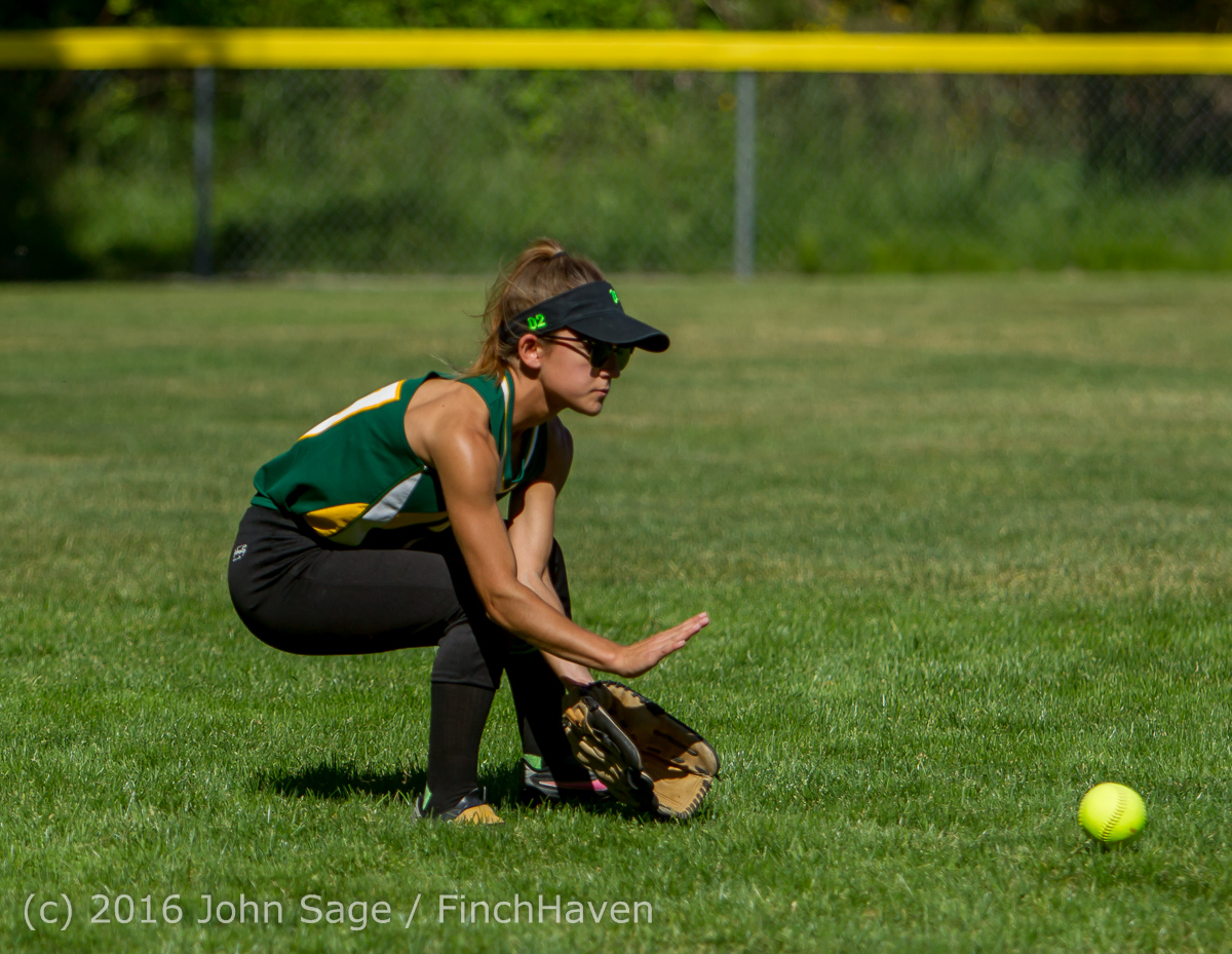 6243_Softball_v_Casc-Chr_Seniors_Night_2016_051216