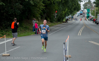 0868_Bill_Burby_5-10K_Vashon_Strawberry_Festival_2016_071616