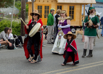 1471_Grand_Parade_Vashon_Strawberry_Festival_2016_071616