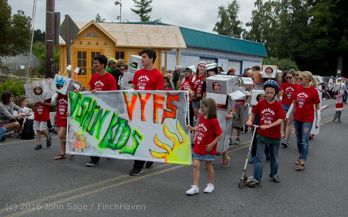1484_Grand_Parade_Vashon_Strawberry_Festival_2016_071616