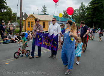 1499_Grand_Parade_Vashon_Strawberry_Festival_2016_071616