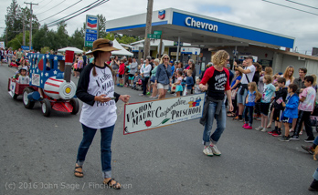 1738_Grand_Parade_Vashon_Strawberry_Festival_2016_071616