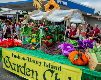 2253_Grand_Parade_Vashon_Strawberry_Festival_2016_071616
