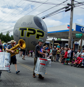 2283_Grand_Parade_Vashon_Strawberry_Festival_2016_071616