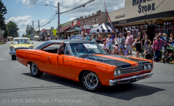 2429_Tom_Stewart_Car_Parade_Vashon_Strawberry_Festival_2016_071716