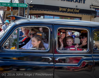 2651_Tom_Stewart_Car_Parade_Vashon_Strawberry_Festival_2016_071716