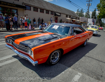 2690_Tom_Stewart_Car_Parade_Vashon_Strawberry_Festival_2016_071716