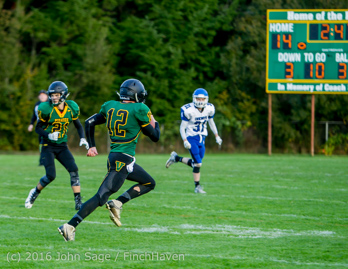 16778_Football_v_Chimacum_101716