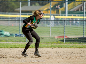 0589_Softball_v_Sultan_032317