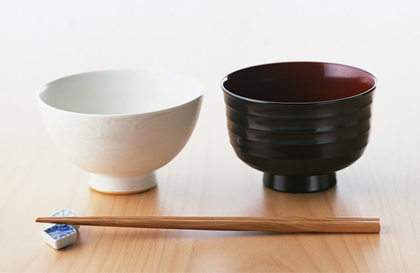 From Japanese bowls in all shapes and sizes (noodle bowls miso soup bowls rice bowls and more) to flat soy sauce dishes tiny ceramic chopstick rests to ... & Japan Centre - Japanese Tableware