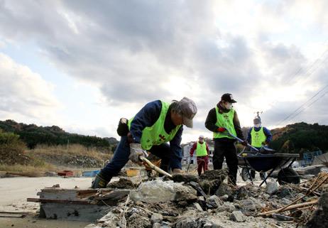 Volunteers now in short supply in disaster areas
