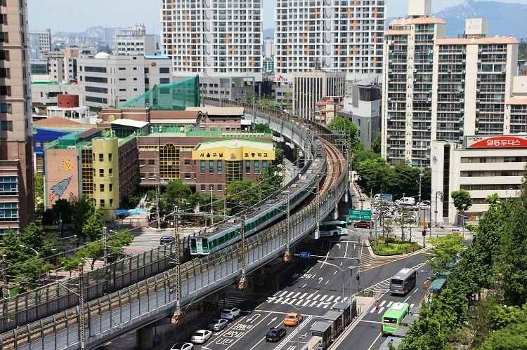 train in Seol