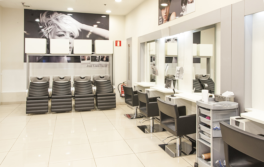 Salones de peluqueria C.C Max Center