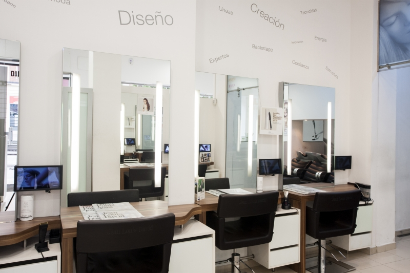 Oferta peluquería Barrio de Porta Barcelona