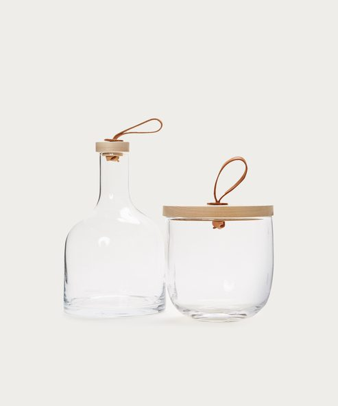 Water Carafe with Ash Stopper