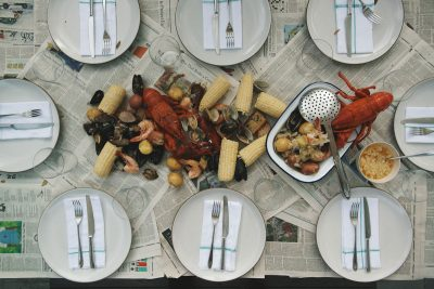 Summer Entertaining: Seafood Boil – The Menu & Décor