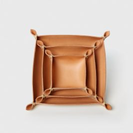 Made-Solid-Leather-Four-Corners-Box-Natural-Group-Front