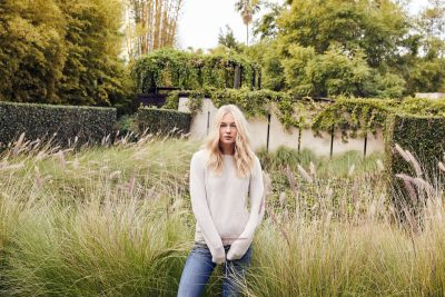 Ease into Spring with Lightweight Knits in Neutral Tones