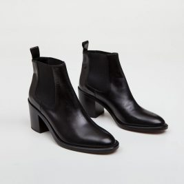 Jenni-Kayne-Heeled-Chelsea-Boot-Black-Leather-Angle_1024x1024