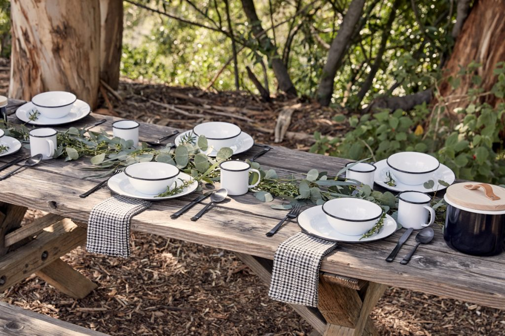 Outdoor Entertaining Essentials: Crow Canyon Home Tableware