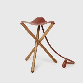 Wood-and-Faulk-Leather-Camp-Stool-Chestnut-Front_1024x1024