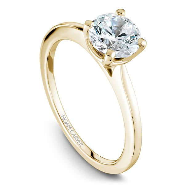 Yellow Gold Engagement Ring With A Round Centerpiece. Image 4  ,