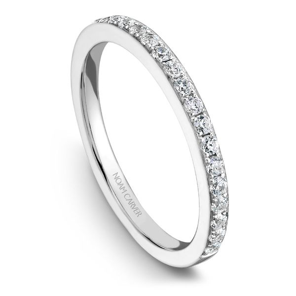 White Gold Engagement Ring With An Oval Centerpiece And 22 Diamonds. Image 5  ,
