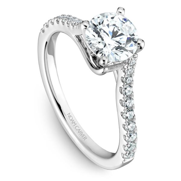 White Gold Engagement Ring With 20 Diamonds. Image 4  ,