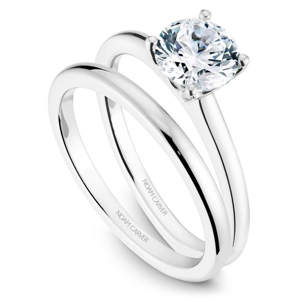 White Gold Engagement Ring With A Round Centerpiece. Image 3  ,