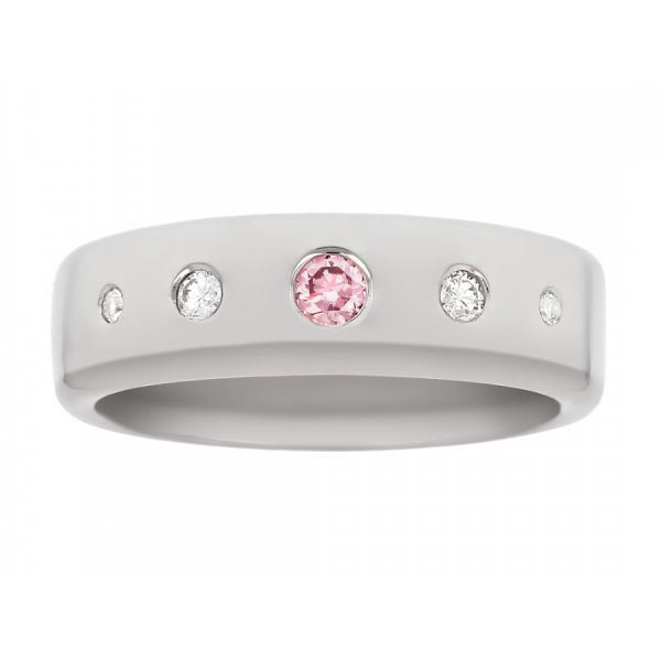 Charming Engagement Band with Pink Diamond and Star Engraving