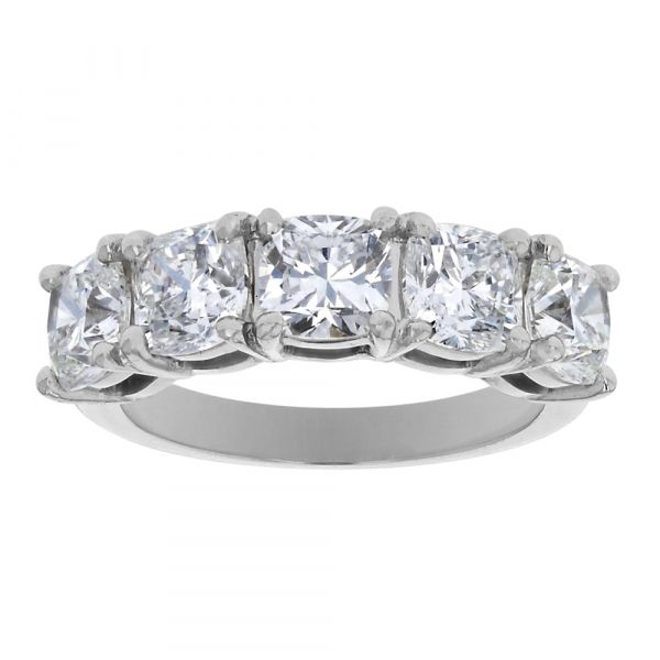 BAND105-Cushion-diamond-anniversary-band-in-platinum