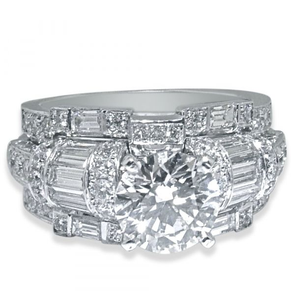 wide-diamond-engagement-ring-with-baguettes-and-princess-cut