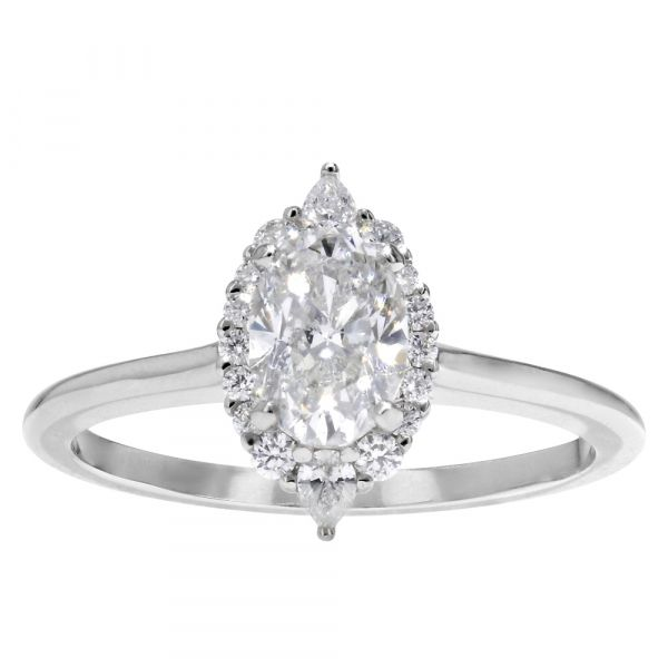 DER117-Oval-engagement-ring-with-pear-halo
