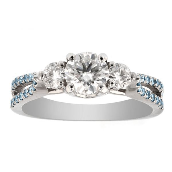 DER120-Three-stone-ring-blue-accent-diamonds