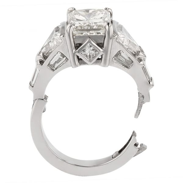DER122-Hinged-engagement-ring-for-big-knuckles3