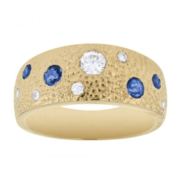 GR105-Hammered-gold-ring-with-flush-set-stones