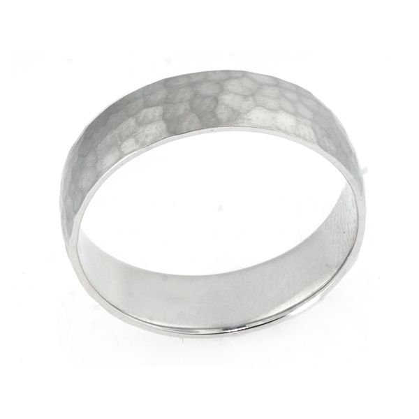 Plat 6mm Hammered Band with Satin-Finish - image 2