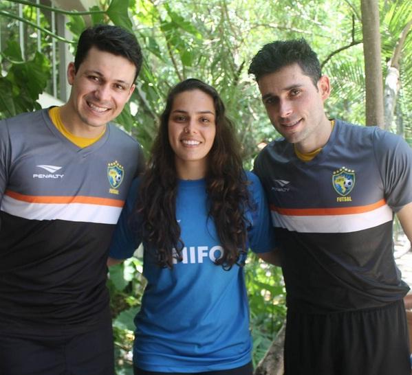 Ela é fã dos goleiros da Seleção Brasileira (Guitta à esquerda e Tiago (à direita). Foto: Arquivo Pessoal
