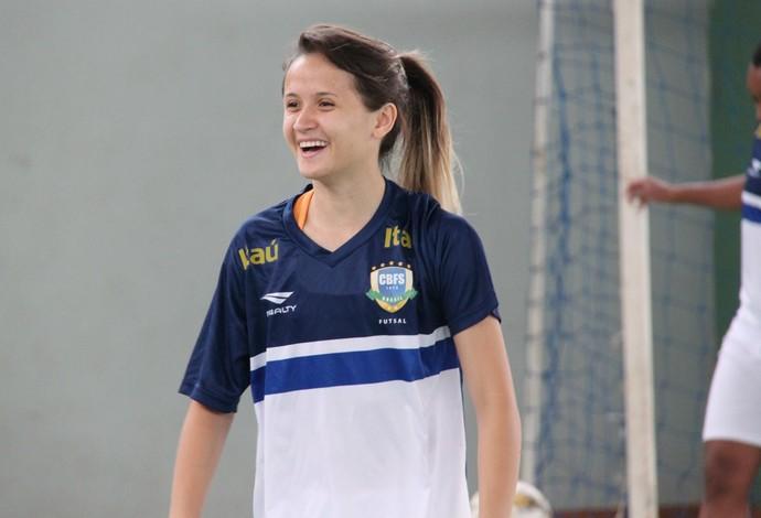 Nascida no Conjunto Ceará, Amandinha brilha com a camisa da seleção brasileira. Foto: Naiara Gresta/CBFS
