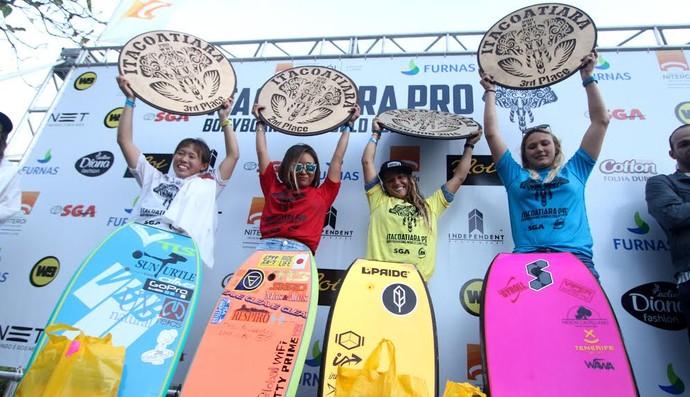 A cearense briga pelo seu quarto título mundial de bodyboard. Foto: Lima Jr.